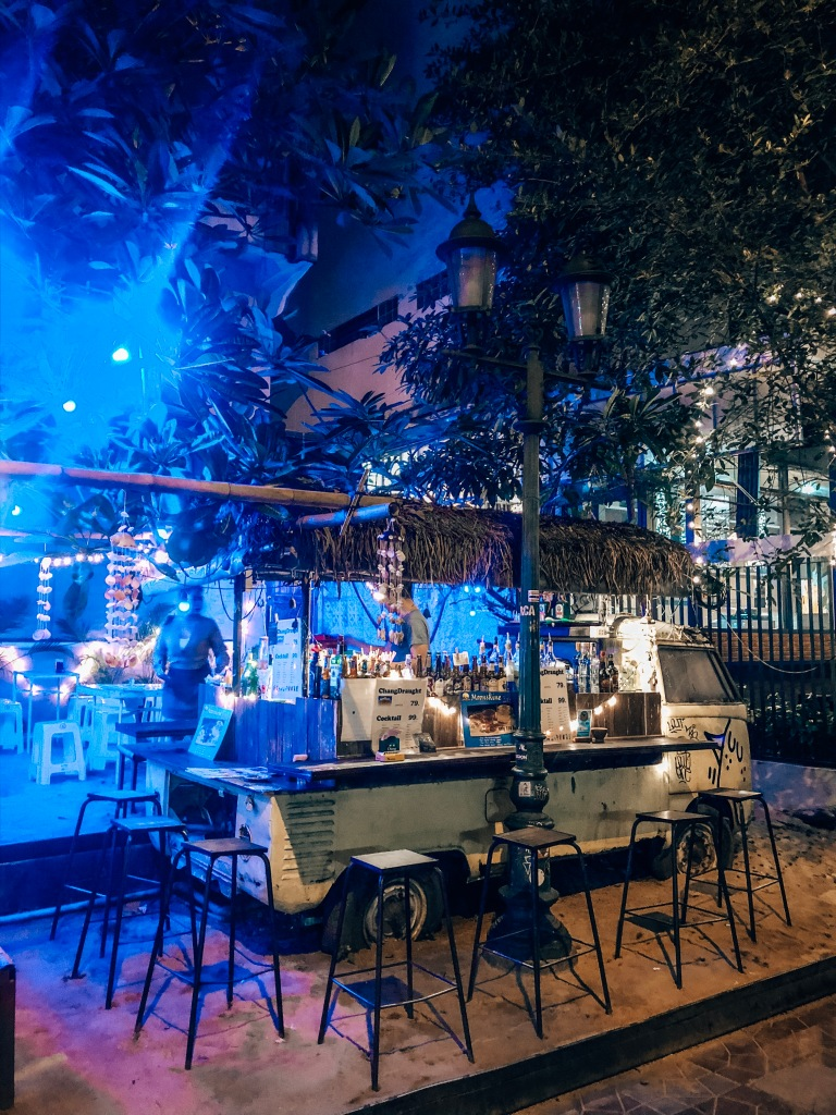 Street bars Soi Rambuttri, Bangkok